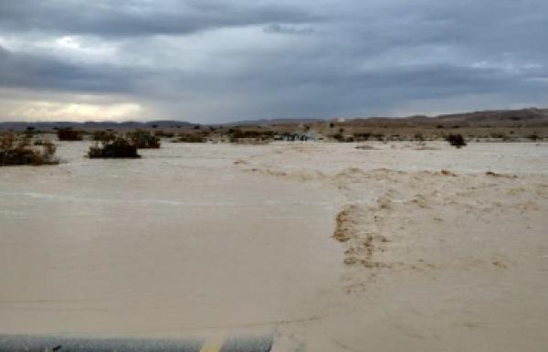 """ניטור גשם וזרימות בערבה ובנגב הדרומי דו""""ח מדעי לחורף – 2018 2019"""